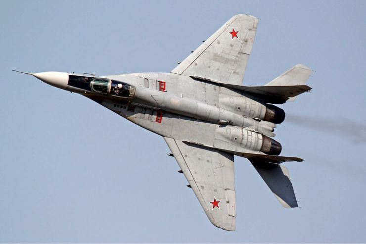 1200px-Russian_Air_Force_Mikoyan-Gurevich_MiG-29S_Naumenko-1