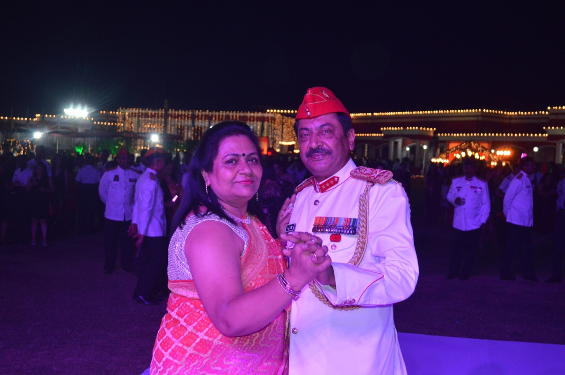 Lt Gen SK Jha, PVSM, AVSM, YSM, SM, with First Lady on Dancing Floor (1)