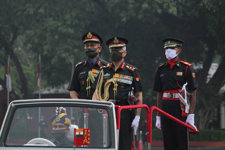 General MM Naravane, PVSM, AVSM, SM, VSM, ADC, Chief Of Army Staff, review the parade..